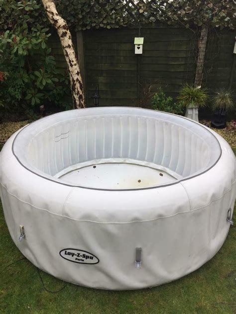 Lazy spa Paris vgc fully working hot tub   in North