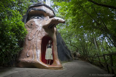 These 8 Bizarre Roadside Attractions In Oregon Are Awesome