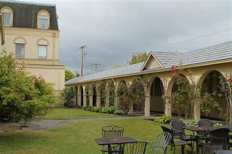 The cottage - Picture of Manresa Castle, Port Townsend